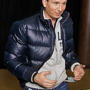 NLD/Amsterdam/20120209 - Bn' ers gefotografeerd als de Nachtwacht voor het Goed Geld Gala 2012, Richard Krajicek met lege zakken