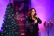Perspresentatie Christmas Evening with Trijntje in de Buiksloterkerk, Amsterdam.<br /> <br /> op de foto:  Trijntje Oosterhuis
