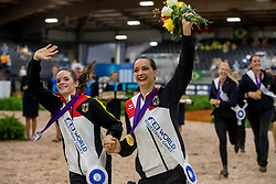 DERKS Janika (GER), BOE Kristina (GER)<br /> Tryon - FEI World Equestrian Games™ 2018<br /> Siegerehrung / Medaillenvergabe<br /> Finale Voltigieren Kür/Freestyle Damen 2. Runde Einzelentscheidung<br /> 22. September 2018<br /> © www.sportfotos-lafrentz.de/Stefan Lafrentz