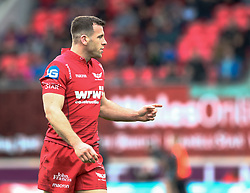 Scarlets' Gareth Davies<br /> <br /> Photographer Simon King/Replay Images<br /> <br /> Guinness PRO14 Round 19 - Scarlets v Glasgow Warriors - Saturday 7th April 2018 - Parc Y Scarlets - Llanelli<br /> <br /> World Copyright © Replay Images . All rights reserved. info@replayimages.co.uk - http://replayimages.co.uk