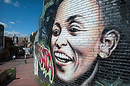 One of the things that catch our eye in Bogota is the  street art, the walls speak and crimson smile at Candelaria