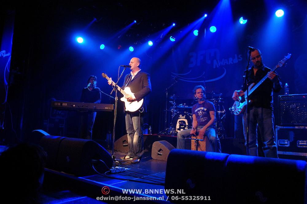 NLD/Amsterdam/20060312 - Uitreiking 3FM awards 2006, Optreden BLOF