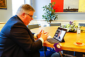 Koning spreekt online met burgemeesters naar aanleiding van de ongeregeldheden