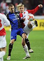 Fotball<br /> Tyskland<br /> Foto: Witters/Digitalsport<br /> NORWAY ONLY<br /> <br /> 04.12.2008<br /> <br /> v.l. Mladen Petric HSV, Milan Ivana<br /> <br /> UEFA-Cup Slavia Prag -  Hamburger SV 0:2