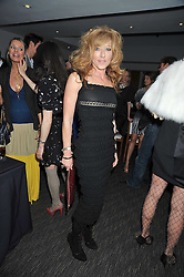 KELLY HOPPEN at a dinner hosted by Ruinart Champagne for Yasmin Mills at Nobu, Park Lane, London on rth May 2009.