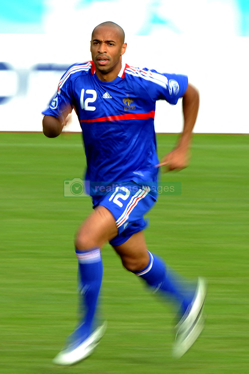 France's Thierry Henry during a friendly football match against the U-18 team from Fribourg and Neuchatel on June 10, 2008, at Chatel-Saint-Denis stadium. France has been drawn in Group C with world champions Italy, the Netherlands and Romania for the first round of the Europe 2008 tournament which takes place from June 7-29 in Austria and Switzerland. Photo by Orban-Taamallah/Cameleon/ABACAPRESS.COM  Equipe de France de Football French Soccer Team Euro 2008 Activite sportive Sport Activity Entrainement Simulation Echauffement Training Football Foot Soccer Seule Seul Seuls Seules Alone Chatel-Saint-Denis Chatel Saint Denis Chatel-St-Denis Switzerland Suisse Schweiz En pied Full length  | 154931_11 Chatel-Saint-Denis Suisse Switzerland
