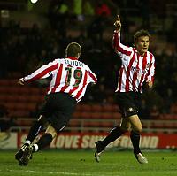 Fotball<br /> Championship 2004/05<br /> Sunderland v Rotherham<br /> 22. febuar 2005<br /> Foto: Digitalsport<br /> NORWAY ONLY<br /> Sunderland's Dean Whitehead (R) wheels away after scoring his team's first goal