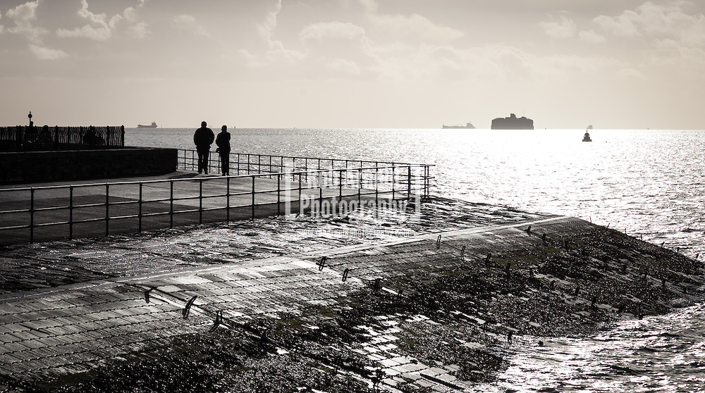 28/12/2013, Portsmouth, UK. People out enjoying the morning sunshine after the recent stormy weather. Photo Credit: Rob Arnold