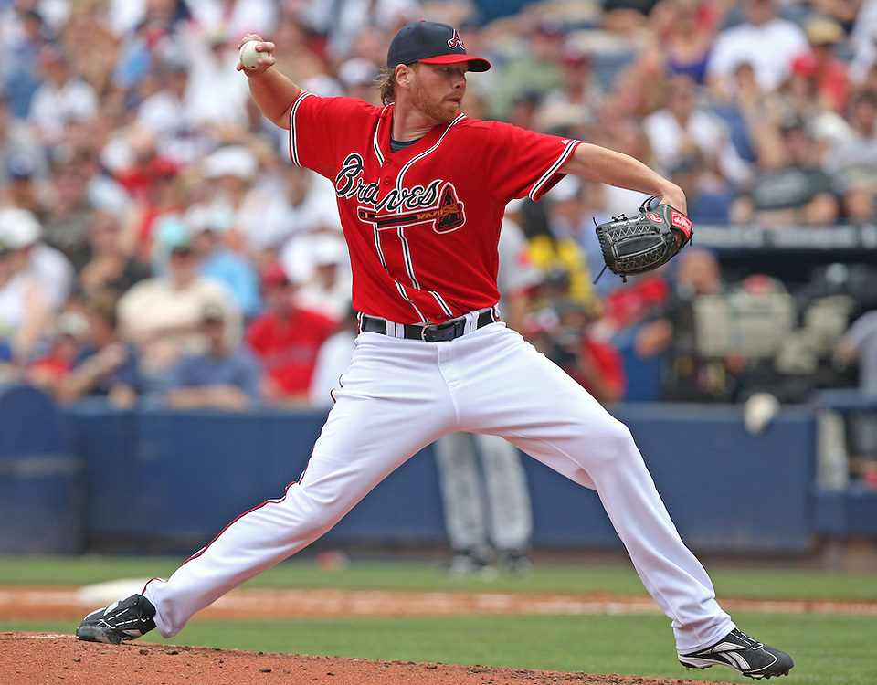 ATLANTA - JUNE 28:  Pitcher Tommy Hanson #48 of the Atlanta Braves throws a pitch during the game against the Boston Red Sox at Turner Field on June 28, 2009 in Atlanta, Georgia.  The Braves beat the Red Sox 2-1.  (Photo by Mike Zarrilli/Getty Images)