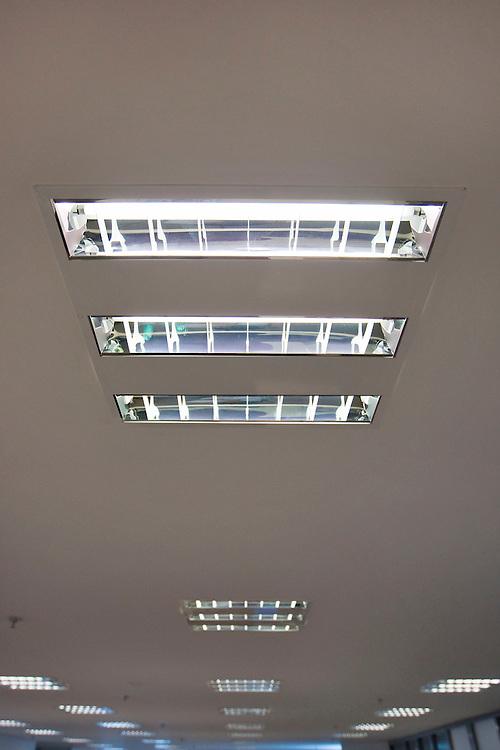 Belo Horizonte_MG, Brasil.<br /> <br /> Detalhe de um edificio ecologico com lampadas economicas em uma sala de um predio.<br /> <br /> Detail of a ecological building building with economic lamps in a room of a building.<br /> <br /> Foto: HUGO CORDEIRO / NITRO