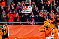 09-11-2018 NED: UEFA WC play-off final Netherlands - Switzerland, Utrecht<br /> European qualifying for the 2019 FIFA Women's World Cup - support orange