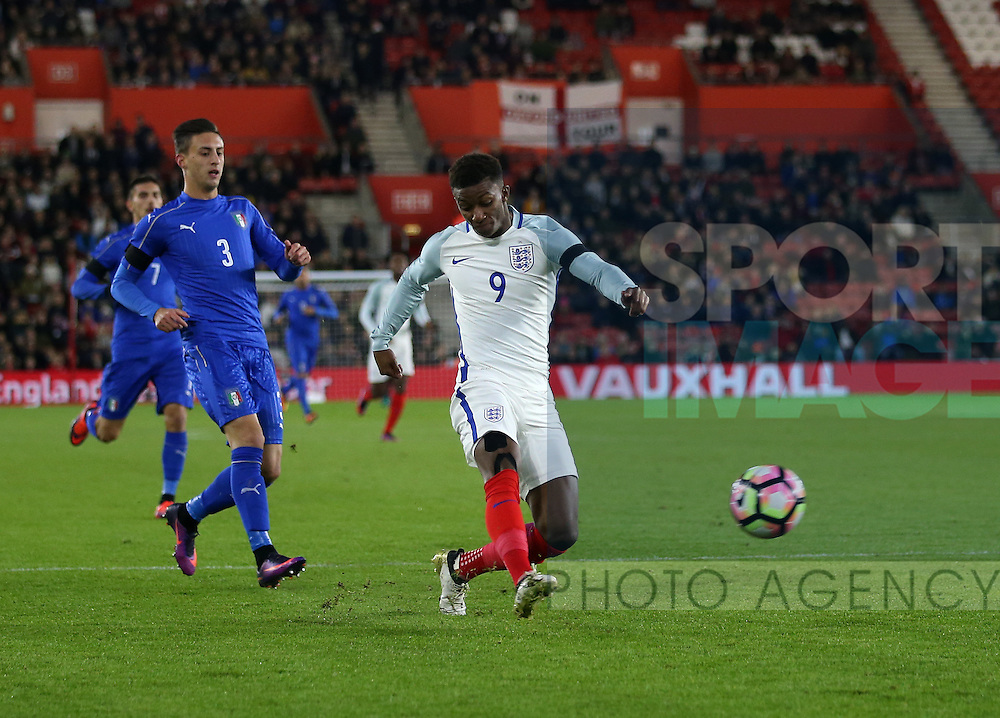England's Demarai Gray fires in a shot during the Under 21 International Friendly match at the St Mary's Stadium, Southampton. Picture date November 10th, 2016 Pic David Klein/Sportimage