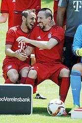 16.07.2015, Saebener Strasse, Muenchen, GER, 1. FBL, FC Bayern Muenchen, Fototermin, im Bild vl. Rafinha ( FC Bayern Muenchen ) und Franck Ribery ( FC Bayern Muenchen ) // during the official Team and Portrait Photoshoot of German Bundesliga Club FC Bayern Munich at the Saebener Strasse in Muenchen, Germany on 2015/07/16. EXPA Pictures © 2015, PhotoCredit: EXPA/ Eibner-Pressefoto/ Vallejos<br /> <br /> *****ATTENTION - OUT of GER*****