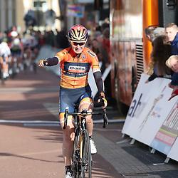 05-04-2017: Wielrennen: Healthy Ageing Tour: Grijpskerk<br />GRIJPSKERK (NED) wielrennen  <br />Amy Pieters is winnares van de 1e (B) etappe van de Healthy Ageing Tour geworden. De Noord-Hollandse uit de formatie Boels-Dolmans reed in de finale van deze rit weg k weg uit een kopgroep en soleerde naar de zege in Grijpskerk.<br /> De tweede plaats was voor de Italiaanse Barbara Guarischi, de Finse Lotta Lepisto eindigde op de derde stek. Ellen van Dijk blijft leidster in het algemeen klassement.