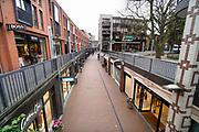 Nederland, Nijmegen, 16-3-2020 Het is duidelijk rustiger en stiller in de straten, winkelstraten van het centrum in de stad . Mensen blijven thuis om zo min mogelijk risico te nemen ivm het corona virus . Foto: Flip Franssen