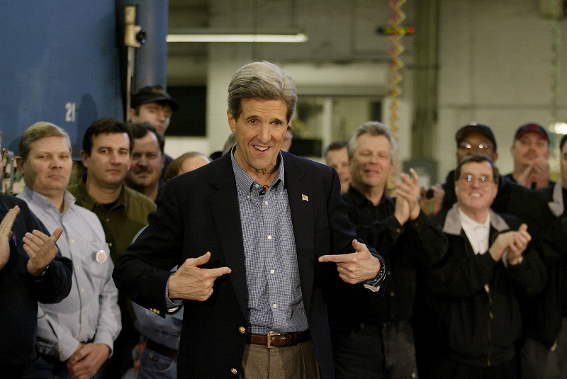 John Kerry campaigns at a manufacturing plant in Chicago.