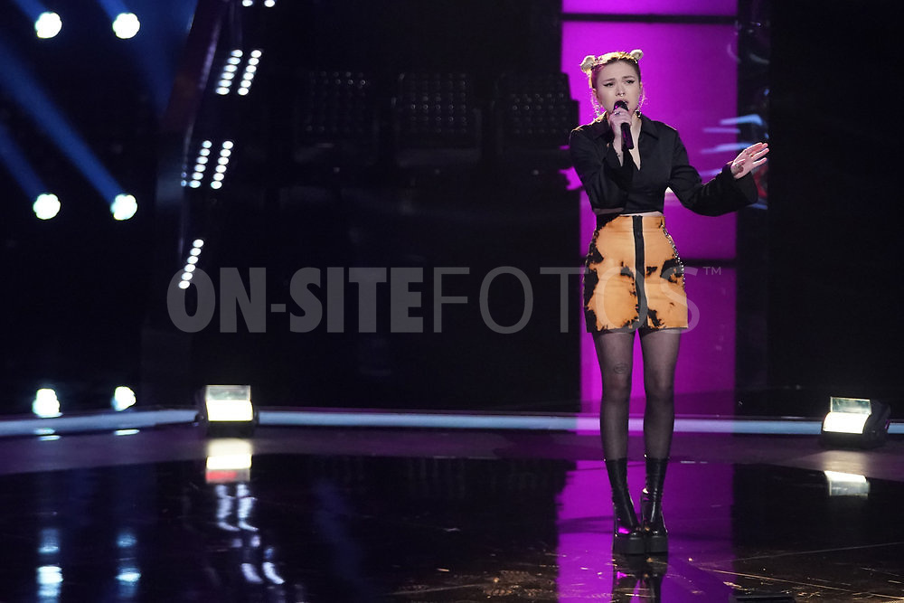 """THE VOICE  -- """"Knockout Rounds"""" Episode 2010 --  Pictured: Ryleigh Modig -- (Photo by: Tyler Golden/NBC)"""