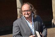 Vertrek van Politici voorafgaand het voorlezen van de troonrede in de Grote Kerk aan leden van de Eerste en Tweede Kamer vanaf het Binnenhof.<br /> <br /> Op de foto:   Dion Graus