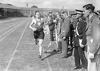 H2600<br /> Aonach Tailteann Athletics. Runners competing in race.<br /> 1932 (Part of the Independent Newspapers Ireland/NLI Collection)