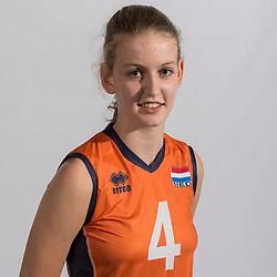 07-06-2016 NED: Jeugd Oranje meisjes <2000, Arnhem<br /> Photoshoot met de meisjes uit jeugd Oranje die na 1 januari 2000 geboren zijn / Nieke Weijers