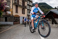 10-09-2017 FRA: BvdGF Tour du Mont Blanc day 1, Beaufort <br /> Vandaag vertrekken we vanuit Papendal in Arnhem naar naar het plaatsje Beaufort (nabij Chamonix) in Frankrijk / Jan