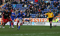 Photo: Mark Stephenson.<br />Leicester City v Queens Park Rangers. Coca Cola Championship. 17/03/2007. Leicester's Iain Hume scores a late penalty