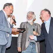NLD/Amsterdam/20170616 - Uitreiking Nipkowschijf 2017, Vincent Bijlo en Hans Beerekamp met Bernard Hammelburg