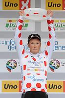 Sykkel<br /> Tour of Norway 2015<br /> Foto: imago/Digitalsport<br /> NORWAY ONLY<br /> <br /> Vegard Robinson BUGGE ( NOR / Team Sparebanken Sor ) gewinnt die Bergwertung - Hostessen - Zeremonie - Ceremony - Jubel - Freude - Emotionen - Hochformat - hoch - vertikal - Event / Veranstaltung: Tour of Norway - Norwegen Rundfahrt 2015 - Stage 5 / 5.Etappe: Fla nach Eggemoen 174.0 km - Location / Ort: Eggemoen - Norway - Norwegen - Europe - Europa - Date / Datum: 24.05.2015