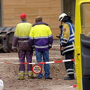 NLD/Huizen/20061106 - Hoofdgasleiding kapot gestoten bouwterrein de Hoftuinen Aristoteleslaan Huizen,