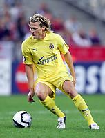 Fotball<br /> Foto: Dppi/Digitalsport<br /> NORWAY ONLY<br /> <br /> UEFA CHAMPIONS LEAGUE 2005/2006<br /> <br /> LILLE OSV v VILLARREAL CF - 27/09/2005<br /> <br /> DIEGO FORLAN (VIL)