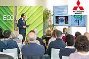 La marca de automoción Mitsubishi Motors presenta su nuevo motor híbrido Ecolab en la delegaciñon de Girona.