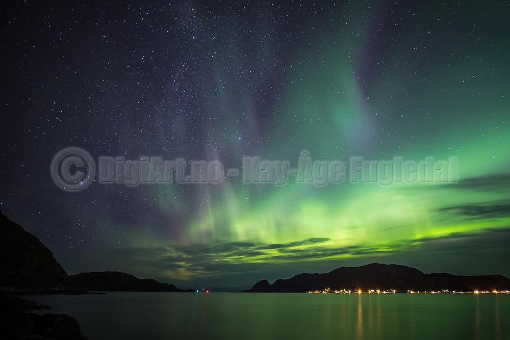 Nightshot with Northern light from vestern part of Norway   Nattfotografering med nordlys fra Herøy på Sunnmøre.