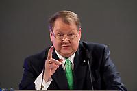 """11 JAN 2010, KOELN/GERMANY:<br /> Peter Heesen, Vorsitzender Deutscher Beamtenbund, dbb, haelt eine Rede, dbb Jahrestagung """"Europa nach Lissabon - Fit fuer die Zukunft?"""", Messe Koeln<br /> IMAGE: 20100111-01-092"""
