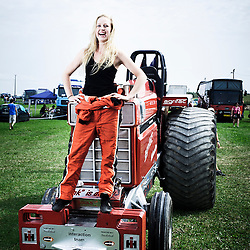 BOUCONVILLE, FRANCE. AUGUST 21, 2011. Manon Kools, Team Interaction, NL. Tractor Pulling: Eurocup 2011. Photo: Antoine Doyen