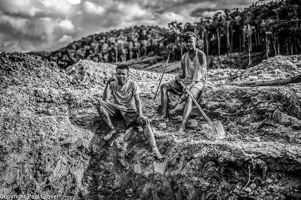 Fea0093883. DT News.Tananarive a mining village near AMBATONDRAZAKA,The Ankeniheny-Zahamena Corridor, Madagascar.Pic Shows Two young miners from all over looking for sapphires in the village of Tananarive