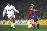 Fotball<br /> Foto: Witters/Digitalsport<br /> NORWAY ONLY<br /> <br /> Michael Laudrup FC Barcelona rechts, FC Barcelona - Real Madrid,  Fussball Spanien, 19.01.1991