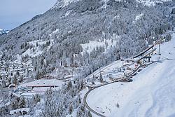 THEMENBILD - die Audi Arena in der mit Schnee bedeckten Winterlandschaft aufgenommen am 27. Dezember 2020 in Oberstdorf, Deutschland // the Audi Arena with the Skijumping Hills in the snow covered winter landscape , Oberstdorf, Germany on 20120/12/27. EXPA Pictures © 2020 PhotoCredit: EXPA/ JFK