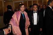 Meera Syal and Rahman Myron. The Asian Business Awards 2005. Hilton. London. 7 April 2005. ONE TIME USE ONLY - DO NOT ARCHIVE  © Copyright Photograph by Dafydd Jones 66 Stockwell Park Rd. London SW9 0DA Tel 020 7733 0108 www.dafjones.com