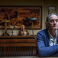 Nederland, Amsterdam, 17 maart 2016.<br /> Erik Kessels is medeoprichter en creatief directeur van het Amsterdamse communicatiebureau KesselsKramer. Hij verzamelt fotografie, publiceerde verschillende fotoboeken en stelde tentoonstellingen samen.<br /> <br /> Erik Kessels is since 1996 Creative Director of communications agency KesselsKramer in Amsterdam, London and LA.<br /> Foto: Jean-Pierre Jans