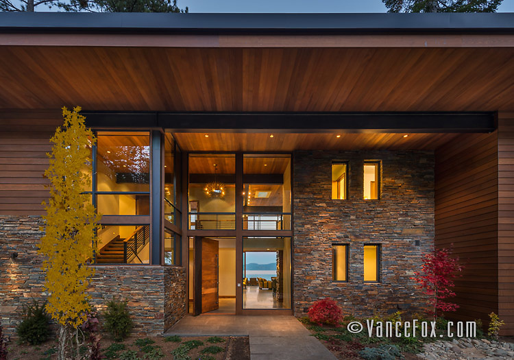 4800 North Lake Tahoe home by Ward Young Architects and Jone Corda Construction