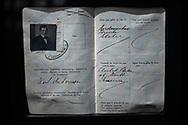 NEW YORK  2020V10<br /> Pass tillhörande Karl Andersson från Östergötland. Han verkar ha rest ensam utan fru och passet väcker frågan om det fanns pass för kvinnor som reste ensam.<br /> <br /> Foto: Per Danielsson/Projekt.P