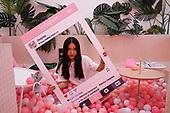 Social Media Sharing Kitsch cafes China