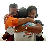 Contagem_MG, Brasil...Projeto De Volta pra Casa, em Contagem, Minas Gerais. O projeto visa tirar criancas de abrigos e leva-las de volta aos seus lares. Na foto, pais visitam filho no abrigo...De volta pra casa project, in Contagem, Minas Gerais. The project aims to get children from shelters and take them back to their homes. In the photo, parents visit the son in the shelter...Foto: LEO DRUMOND / NITRO