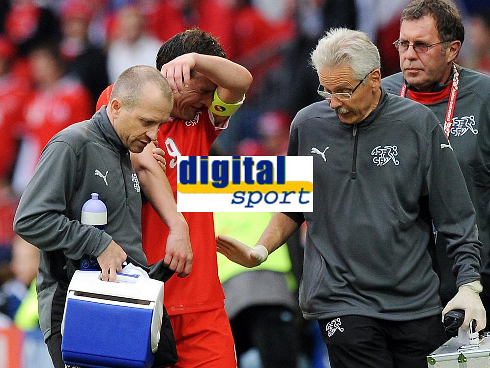 Fotball , 7. juni 2007 , EM Sveits - Tsjekkia<br /> Verletzung Alexander Frei Schweiz<br /> EURO 2008 Vorrunde Schweiz - Tschechien<br /> <br /> Norway only