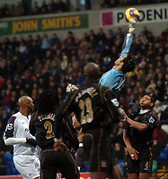 Photo: Paul Greenwood.<br />Bolton Wanderers v Portsmouth. The Barclays Premiership. 30/12/2006. Pompey's keeper David James clears