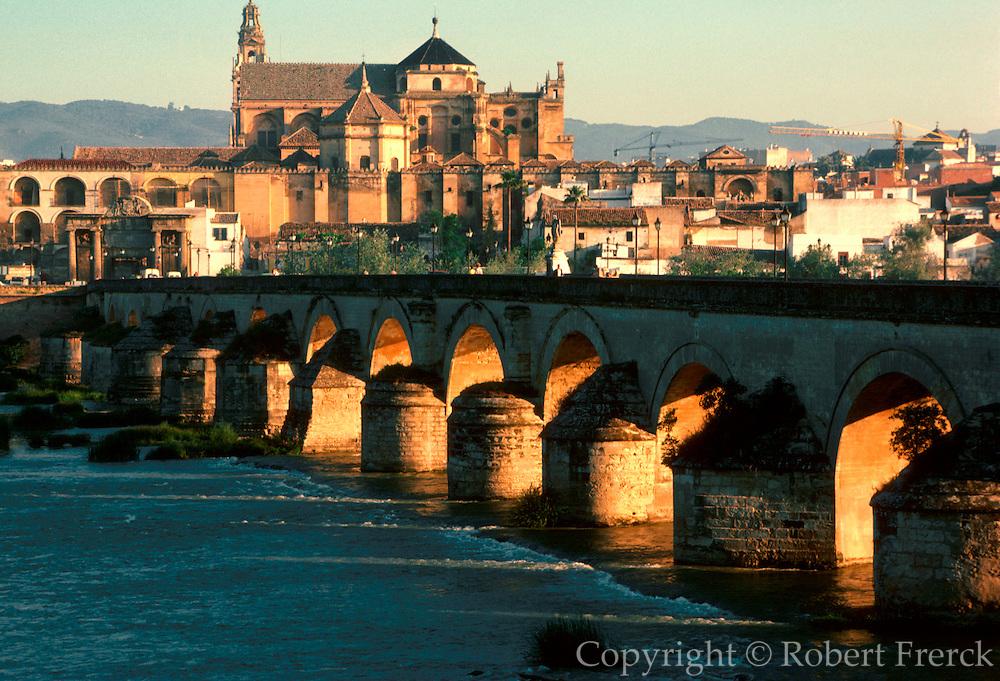 SPAIN, ANDALUSIA, CORDOBA 'La Mezquita' Mosque; beyond river
