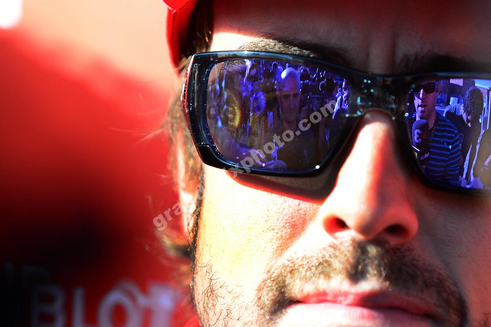 Fernando Alonso (Ferrari) and reporters / journalists before the Korean Grand Prix 2013 in Yeongam. Photo: Grand Prix Photo