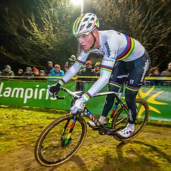 2019-12-29: Cycling: Superprestige: Diegem: Mathieu van der Poel perfect cornering