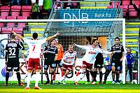 Fotball , Adeccoligaen ,   , Lørdag 12. Oktober , Fredrikstad Stadion<br /> Fredrikstad FK - Bryne FK<br /> Jubel for 1-0 , Robert Stene scorer 1-0 med sitt første touch på ballen etter å ha kommet inn som inbytter og Philip Westgaard (Midt i bildet, Unggutten som holdt Stene ute av laget) er like bak <br /> Foto: Sjur Stølen