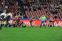 19 May 2018, Johannesburg. Emirates Airlines Park, Ellis Park. Nic Groom passes the ball out of a loose scrum.<br />Gauteng Emirates Lions vs Canberra Brumbies. Picture: Karen Sandison/African News Agency (ANA)